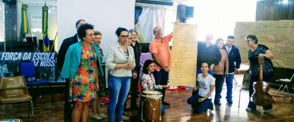 Participantes do encontro do Movimento Fé e Política do Rio Grande do Sul